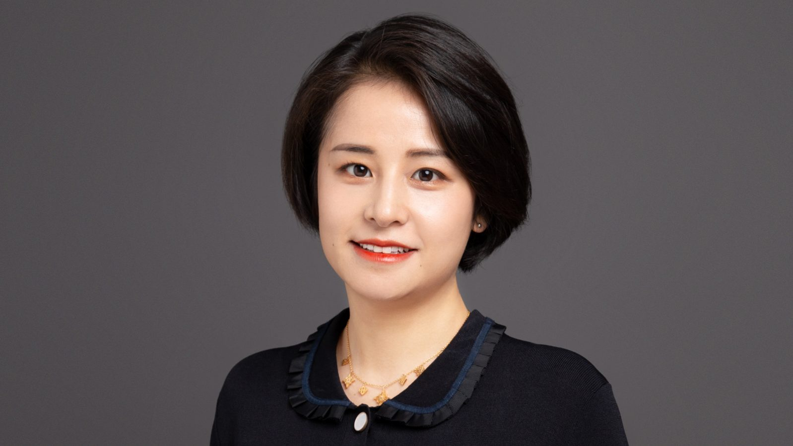 Rachel Chen, LINDAL sales manager